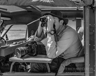 Richard Costin reviewing the Leica Ultravid HD-Plus 10x32 binoculars